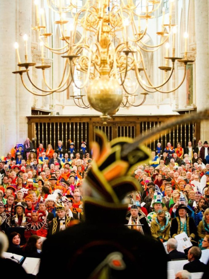 De Oeledienst van vorig jaar in de Grote Kerk, waar pastor Rob van Uden afscheid nam.