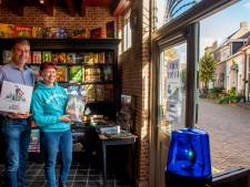 Met 'n bordspel de coronawinter door: Harderwijks stel opent nostalgische winkel en spelletjescafé