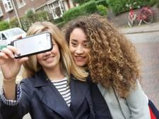 Iedereen wil een selfie met Fleur uit Arnhem