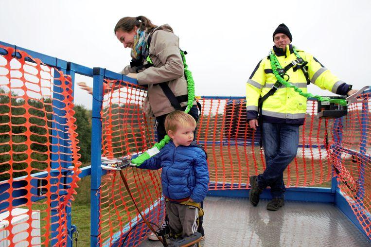 Bezoekers op de hoogtewerker