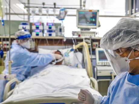 Il se réveille après 3 semaines dans le coma et découvre qu'il est le seul survivant de sa famille
