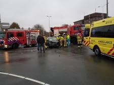 Automobilist gewond na botsing op Batavierenweg in Arnhem