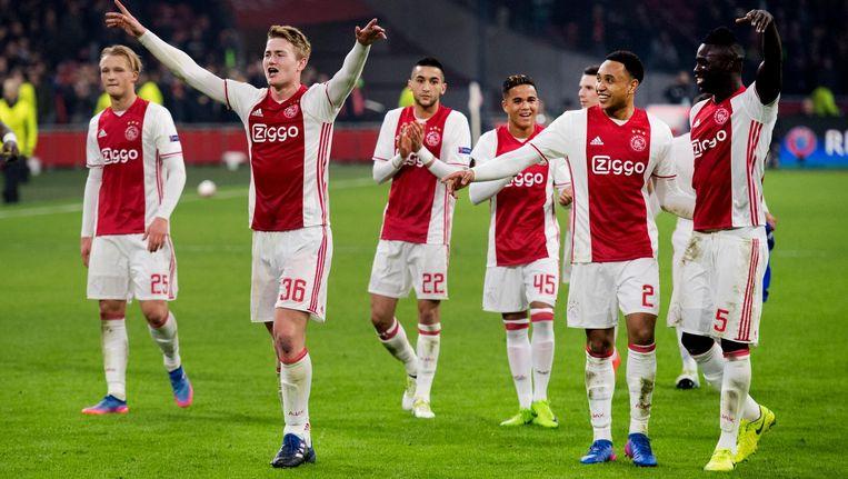 Ajax viert de overwinning op FC Kopenhagen Beeld anp