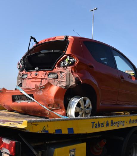Auto botst op voorligger op A73 bij Nijmegen
