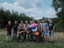 Vriendengroep uit Vragender verslagen na overlijden van Boet: 'Feestgevoel was meteen weg'