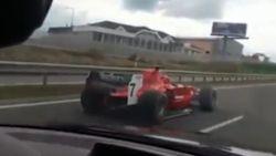 En plots word je op de snelweg voorbijgestoken door een 'F1-bolide'