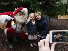 Hohohopen dat je de uitgang vindt in het kerstbomendoolhof in Leidsche Rijn