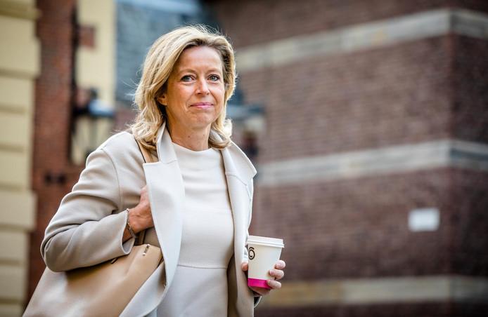 Minister Kajsa Ollongren (Binnenlandse Zaken) gaat over de tijd.