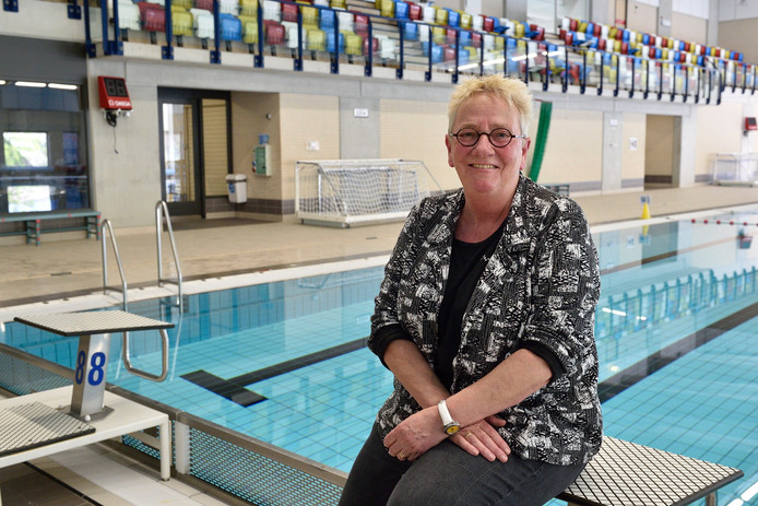 Mary Koolmees heeft 30.000 Goudse kinderen zwemles gegeven.
