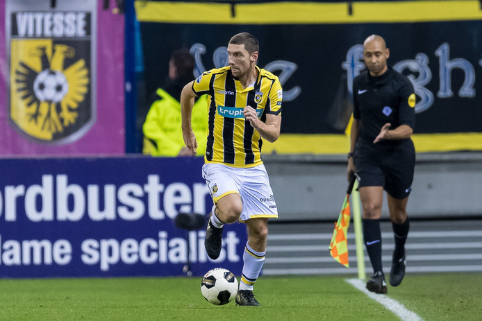 29-01-2017: Voetbal: Vitesse v AZ: Arnhem  (L-R) Arnold Kruiswijk of Vitesse nog steeds geen doelpunt © Orange Pictures / Photo News PICTURES NOT INCLUDED IN THE CONTRACTS  ! only BELGIUM !