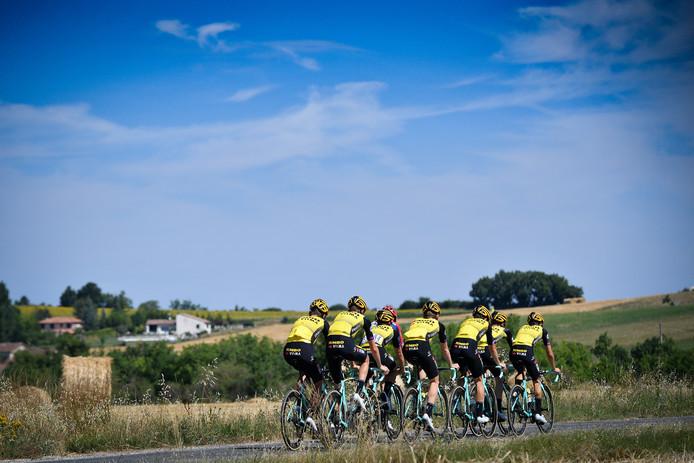 Team Jumbo-Visma op pad voor wat trainingskilometers.