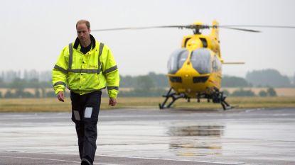 Ook prins William wil z'n steentje bijdragen: Brit hoopt op terugkeer als ambulancepiloot
