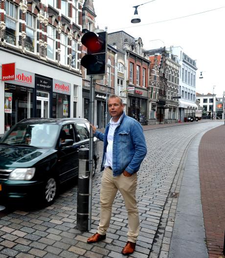Dordtse Jeroen wil 'levensgevaarlijke' verkeerspollers zo snel mogelijk weg hebben