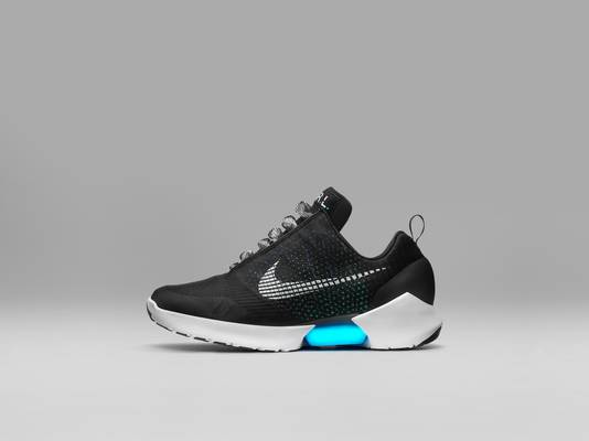 buy popular 8856a f4961 Nike Innovation Summit 2016Nike HyperAdapt 1.0 zelfstrikkende schoen