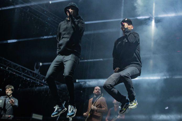 Rappers Rico & Sticks uit Zwolle stonden afgelopen zomer op Lowlands. Het duo sloot samen met De Staat de eerste festivaldag af in de Alpha-tent, het hoofdpodium van het festival.