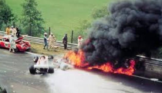 Niki Lauda a frôlé la mort lors du GP d'Allemagne en 1976.