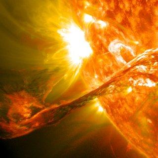 extreme-zonnevlam-vormt-groot-risico-voor-de-aarde