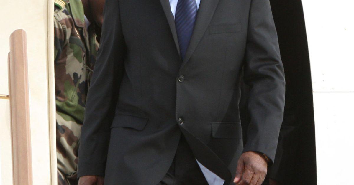 Video nu de adama kanta greffier en chef au tribunal 223 79 49 80 96 - 4 2