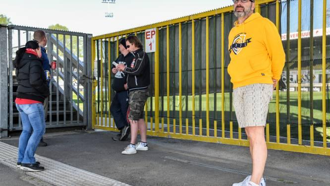 """Sportingfans rouwen aan Daknamstadion: """"Eén van de zwartste dagen in ons leven"""""""