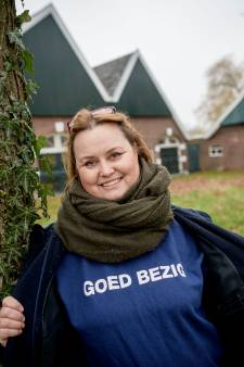 Voormalig kankerpatiënte Debby uit Hengelo verheugt zich op de sloophamer