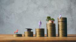 Wat is het verschil tussen gereglementeerd en niet-gereglementeerd sparen?