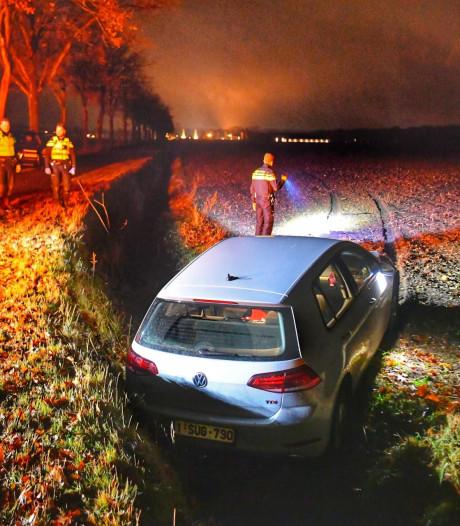 Bestuurster heeft black-out en mist bocht van Abdijweg bij Borkel en Schaft