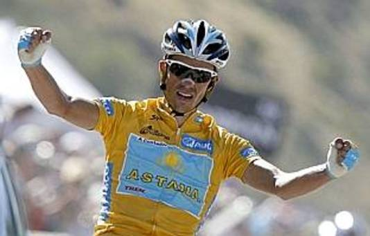 Contador wint in de Vuelta 2008.