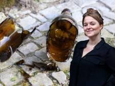 Utrechtse vrouwen vechten 'vriendjesruzie' uit op straat: 'Geslagen met een bierfles? Ik drink niet eens bier!'