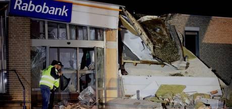 Politie tast nog in het duister bij plofkraak in Vinkel