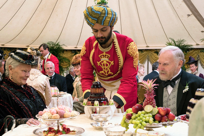 Judi Dench, Ali en Tim Pigott-Smith in Victoria en Abdul.
