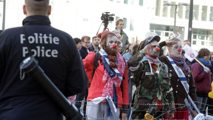 Het CETA-verdrag roept wereldwijd weerstand op. Afgelopen zondag protesteerden tegenstanders bij het gebouw van de Europese Raad in Brussel