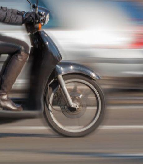 Twee mannen (41 en 27) in Roosendaal aangehouden voor heling van scooter