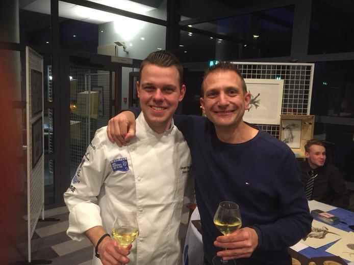 Terence van Lenten (links) - die de opleiding gespecialiseerd kok aan De Rooi Pannen volgt - reisde deze week met zijn docent Joost de Roover (rechts) af naar de Concours Olivier Roellinger in het Franse Dinard.