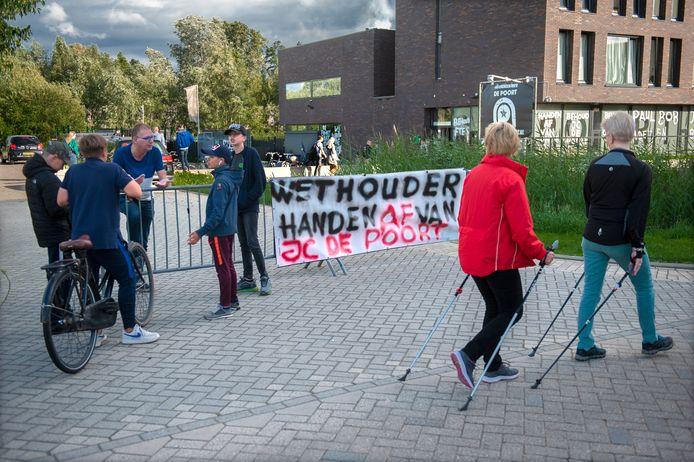Eerder dit jaar werd door jongeren en vrijwilligers nog actie gevoerd tegen de dreigende sluiting.