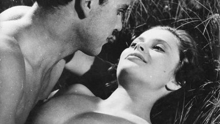 Folke Sundqvist en Ulla Jacobsson in Hon dansade en sommar (1951). Beeld