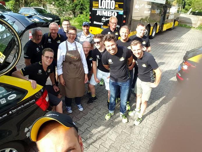 e Oosterhoutse Marinka van Teeffelen (51) is sinds begin juni kok voor de wielerploeg van Team Lotto NL-Jumbo.