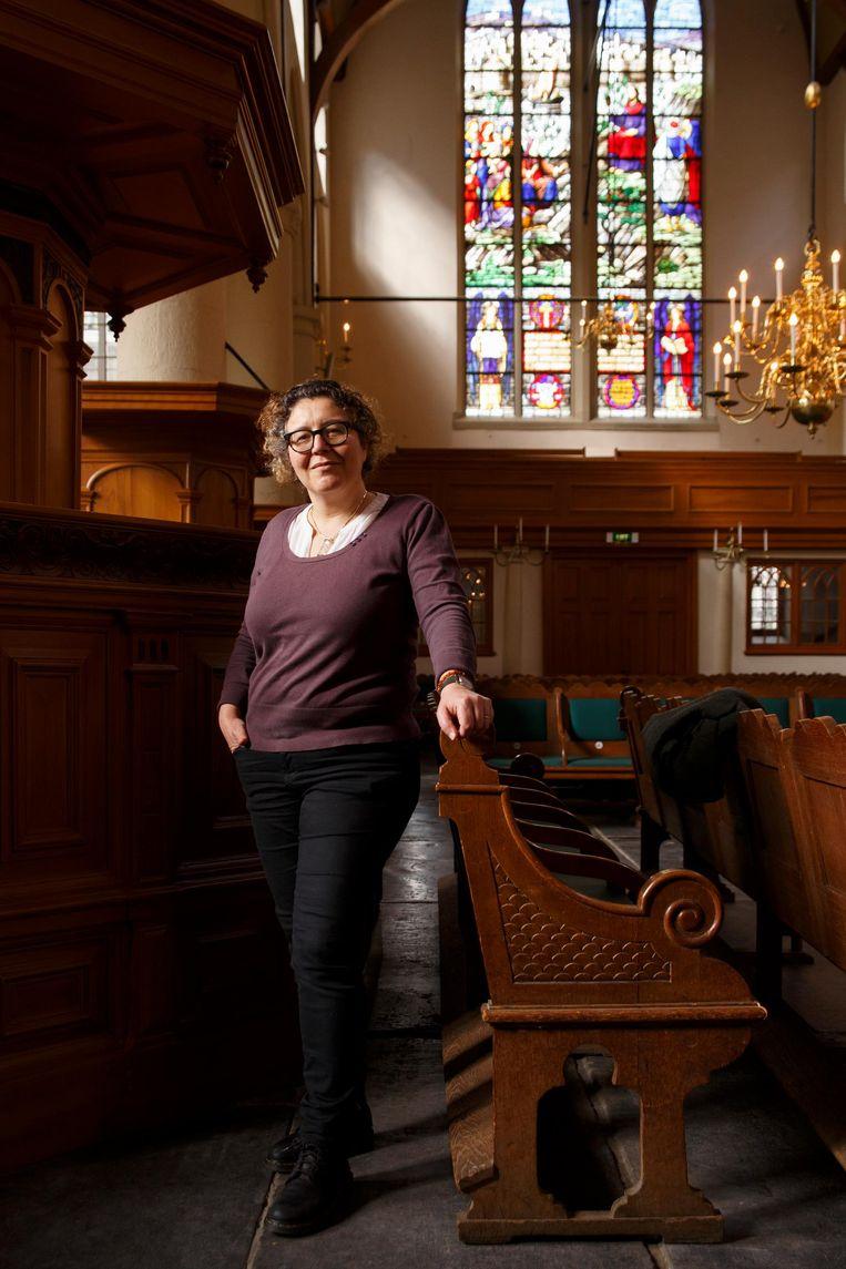 Myriam Bouzid, taaldocent bij de Waalse kerk: 'Fransen zijn erg gecharmeerd van de vrijere maatschappij hier' Beeld Carly Wollaert