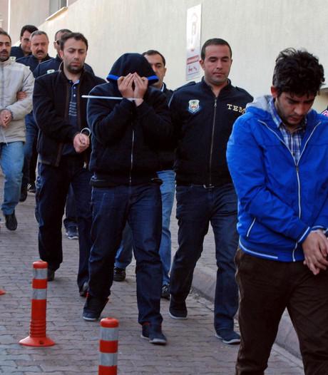 'Erdogan zet ruim 9000 politieagenten op non-actief'