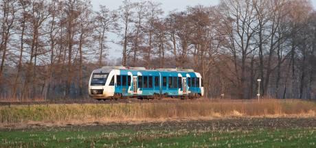 Man streelt vrouwen langs benen en billen in trein, volgens advocaat 'is van aanranding geen sprake'