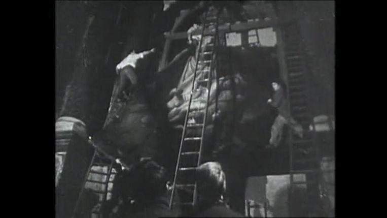 In de brandende Sint-Pauluskerk probeerden studenten zoveel mogelijk kunstwerken te redden. Jean Steeman was één van hen.