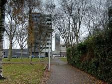 Overvaller met 'opvallend grote ogen' en badslippers gezocht die 82-jarige vrouw overviel in Eindhoven