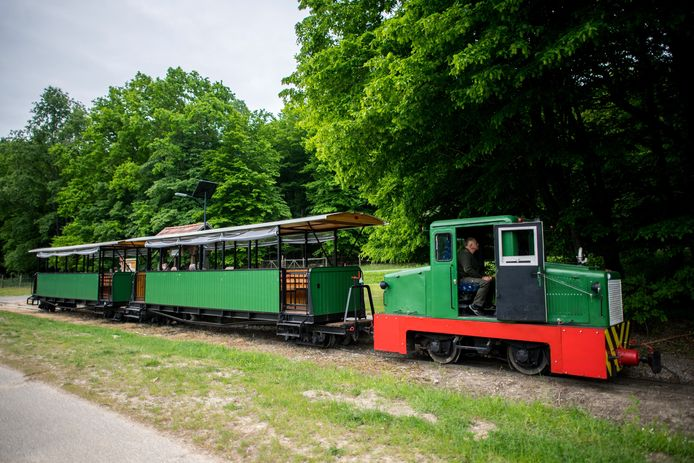 Almamellek, Hongarije