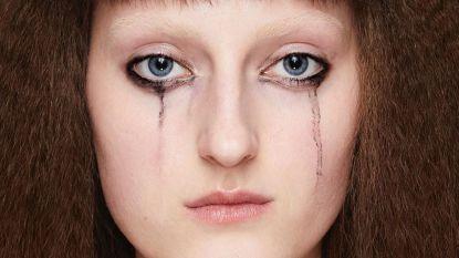 Gespot op de catwalk bij Gucci: uitgelopen mascara