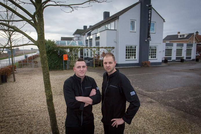 Mike (links) en Jim Cornelissen van restaurant Rijnzicht.
