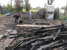 Actie voor Udense moestuin na brand: Vooral doorzichtige golfplaten, kozijnen en glas voor nieuwe kassen nodig