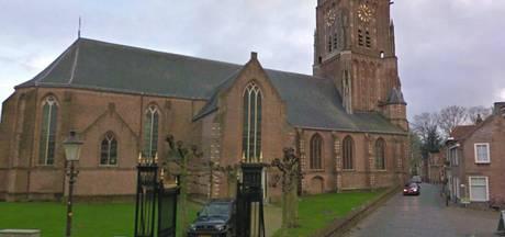 Klok Martinustoren in Woudrichem loopt weer goed