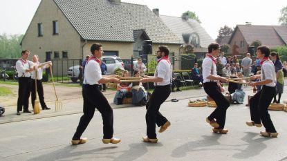 Evergem viert 11 juli: Vlaamse klassiekers zingen, vendelzwaaien en dansen