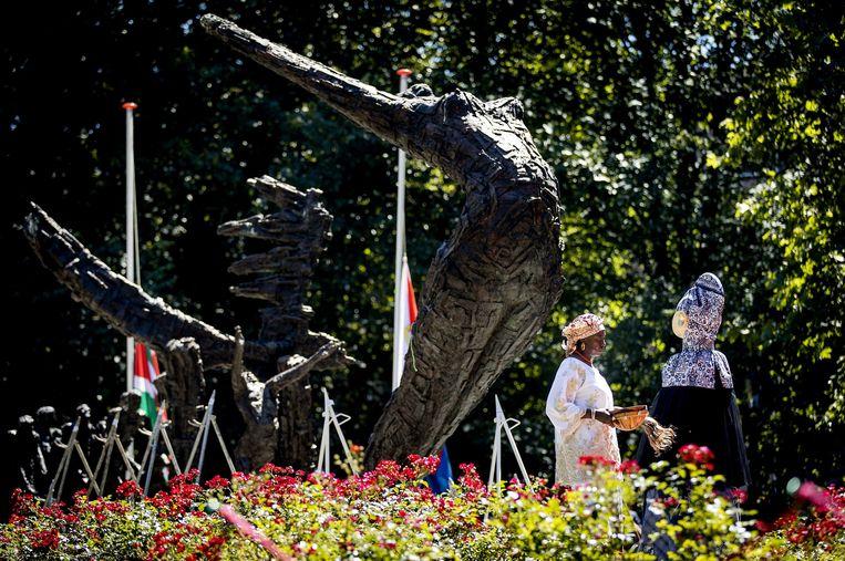 Het Nationaal Monument Slavernijverleden tijdens de herdenking van de afschaffing van de slavernij in het Oosterpark, in 2018. Beeld ANP