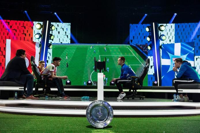 Ajax en PEC Zwolle namen het in februari tegen elkaar op in de finale van het vorige seizoen van de eDivisie in AFAS Live met 2000 toeschouwers.