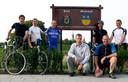 Edwin Thijs, Marty Poppe, Paul van Kerckhoven, Pascal Roelands, Jo de Bruyne, Andre Morcus en Harold d'Hond (vlnr) fietsten in 2009 van Hulst naar Michelstadt.
